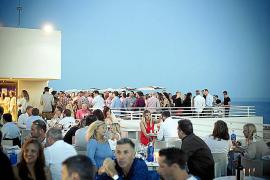 Sky Bar und gehobenes Restaurant mit Meerblick