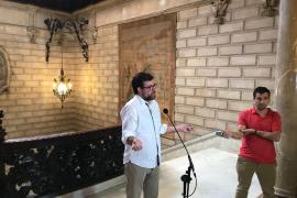 Palmas Bürgermeister Toni Noguera bei seiner Ansprache im Rathaus von Palma