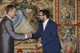 Königsurlaub auf Mallorca beginnt mit Händeschütteln