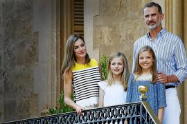 Königlicher Fototermin im Marivent-Garten auf Mallorca