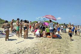 Fast ertrunken: Urlauber trotz roter Flagge im Meer