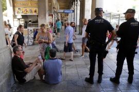 Touristen werden sich wohl schnell an die höhere Polzeipräsenz (hier an der Plaça Major) gewöhnen.