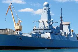 Britischer Zerstörer macht in Palma fest