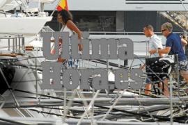 Michelle Obama ankert vor Küste von Arenal