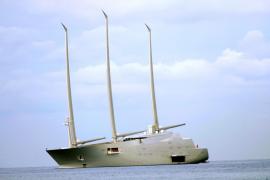 Größte Segelyacht der Welt ankert vor Palma