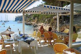 Chiringuito an der Playa El Mago auf Mallorca.