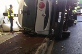Lastwagen auf Mallorca prallt gegen Tunneleinfahrt