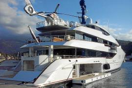 Superyacht liegt in Port de Sóller