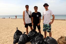 Punker kämpfen auf Mallorca gegen Plastikmüll