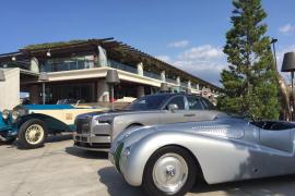 Die Fahrzeuge von Rolls-Royce und BMW sind am Mittwoch in Port Adriano eingetroffen.