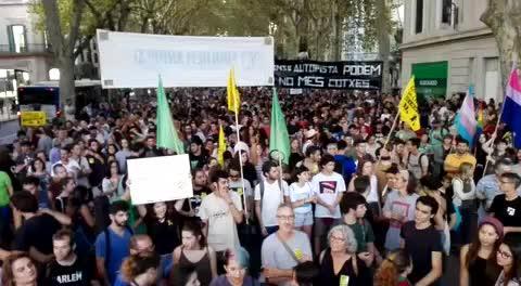 Anti-Tourismus-Demo zog zum Abschluss mehr Teilnehmer an