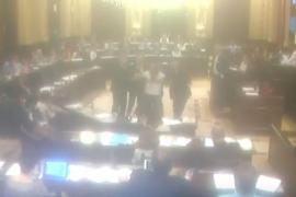 Vorfall im Balearen-Parlament: Mann stürmt Plenum