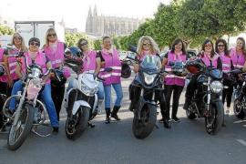 Die Bikerinnen Mallorcas in ihren rosafarbenen Kutten