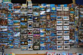 Postkarten, die im Nirwana verschwinden