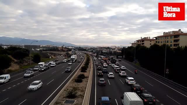 Lange Staus auf den Autobahnen von Palma