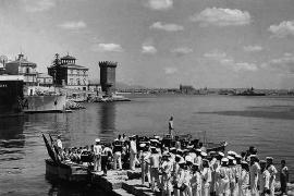 """Die historische Aufnahme schoss ein Matrose des """"Admiral Scheer"""" als private Erinnerung."""