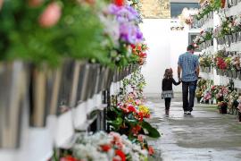 Ein Blumenmeer für die Verstorbenen