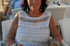Helga Braun, die Anfang Januar 2018 ihren 90. Geburtstag begehen wird, bei einem ihrer Inselaufenthalte in jüngster Zeit.