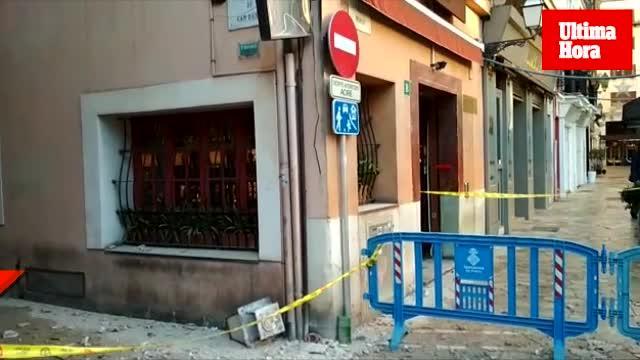Fenstervorsprung stürzt in Altstadtgasse