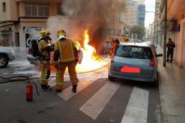 Ein Auto brannte in Palmas Innenstadt