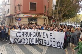Von Cursach inszenierte Demonstration gegen die Justiz auf Mallorca.