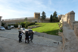 Der Richter wurde in Artà begleitet von Vertretern der Kirchengemeinde und des Rathauses.