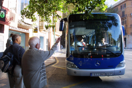 Mit dem Bus zum Shopping in Palma