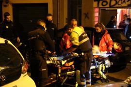 Mann nach Sturz aus viertem Stock schwer verletzt