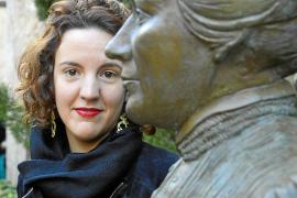 Bronzene Ehrung für Clara Hammerl in Pollença