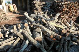 Holzverkauf in Palma de Mallorca.