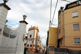 Schmale, wenn nicht gar autounfreundliche Gassen beheimaten altehrwürdige Patriziervillen und Bürgerhäuser sowie moderne Wohnblö