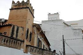 Traditionelle Jahrhundert-Villa neben gesichtslosem Neubau aus den späterer Zeit.