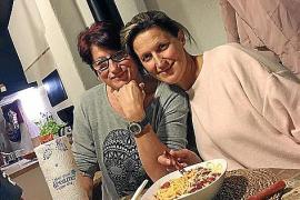 Vom kleinen Plankstadt bei Heidelberg auf die Sonneninsel: Familienmama Angela (r.) will auf Mallorca ein Fashioncafé eröffnen.