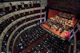 Bis zu 800 Geladene füllten das Teatre Principal bei der Gala-Veralstaltung 125 Jahre Ultima Hora.