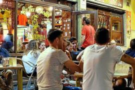 Das ausgiebige Nachtleben ist ein Grund für das Schlafdefizit in Spanien.