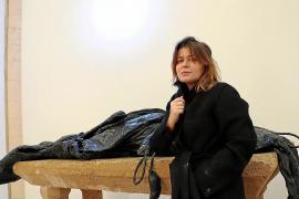 """Angelika Markul: Ihre Arbeit ist Teil des Projektes """"Ausgrabungen aus der Zukunft""""."""