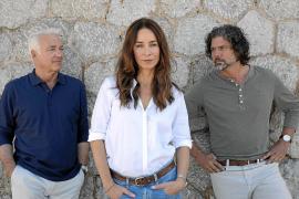 Die Fotografin Vicky (Katharina Müller-Elmau) gerät während ihres Besuchs auf Mallorca zwischen zwei Männer. Nico (Christoph M.