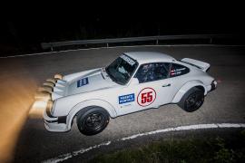 Kris Rosenberger und Christina Ettel im Porsche 911 aus dem Jahr 1981.