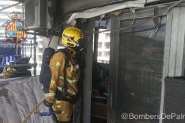 Sofa auf Balkon brennt in Palma