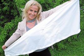 """Mit diesem Prototyp ihres Windschutzes für Sonnenliegen ist Anja Jäger bei """"Start up!"""" angetreten."""