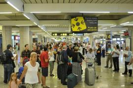 Airport und Hotels: volle Insel rund um die Ostertage
