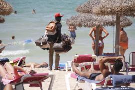 Palma will Straßenhändlern Lesen + Schreiben beibringen