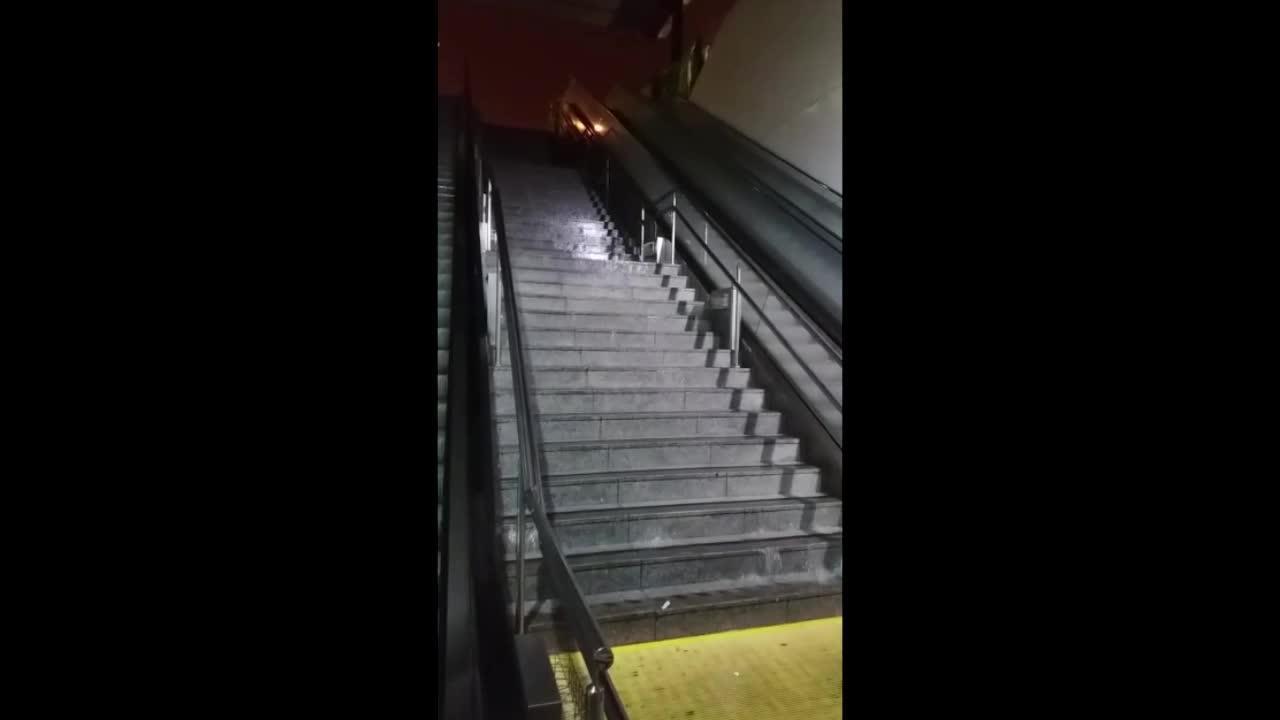 Regenflut setzt Palmas Bahnhof unter Wasser