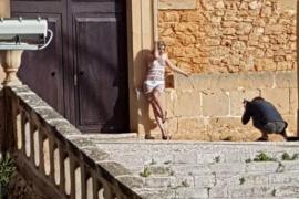 Aufregung um Nacktfoto-Shooting vor Kirche