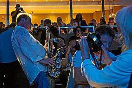 Top-Musiker des Smooth Jazz spielen in Sa Coma