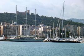 Treff zweier Megayachten in Palma