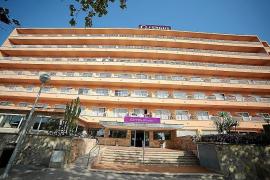 Deutscher Urlauber stürzt an der Playa vom Hotelbalkon