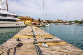 Bewegliche Pontonbrücke für die Boat Show auf Mallorca