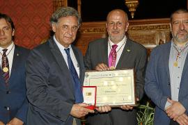 Ehrenmedaille für Zeitung Ultima Hora