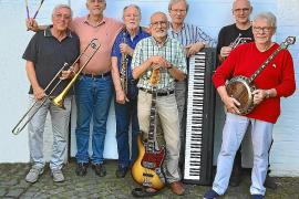 Für Stimmung bei der Riverboat-Shuffle sorgen die sieben Musiker der Kölner Mary-Castle Jazzband.